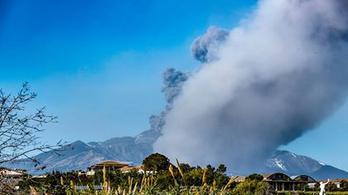 Földrengéssel tört ki az Etna Szicíliában