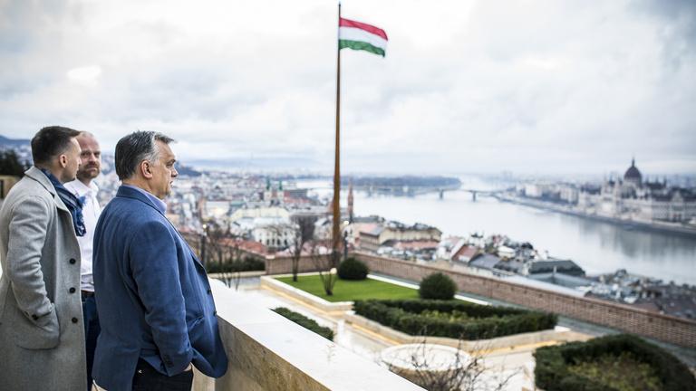 Orbán új irodája: azért nem rossz munkahely ez