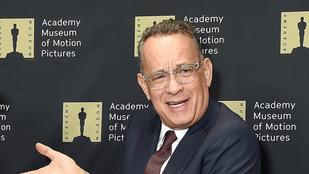Tom Hanks ünnepi hangulatban is jófej az emberekkel