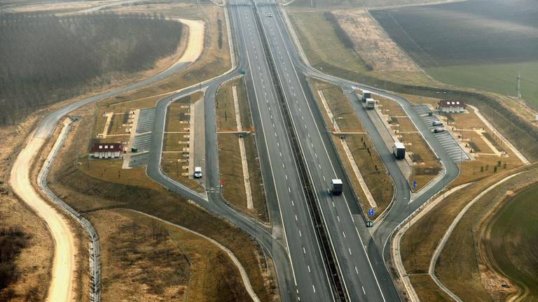 Megépül az M6-os az országhatárig