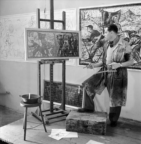 1952. február 20. Kádár György festőművész a budapesti metró részére készülő mozaiktervén dolgozik.
