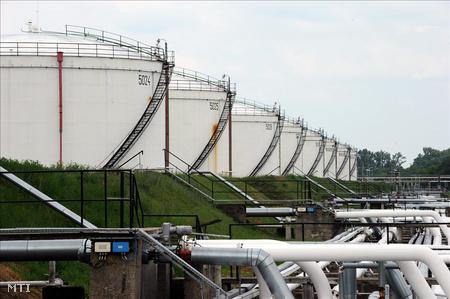 A Rossi Biofuel Zrt. komáromi üzemének tárolótartályai