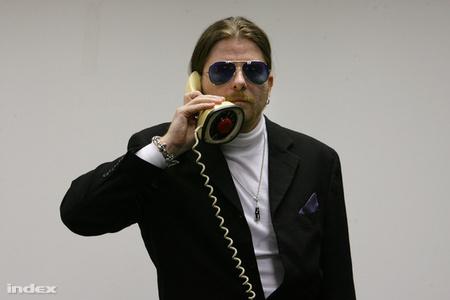 UjPeter-telefon-photoHusztiIstvanIndex