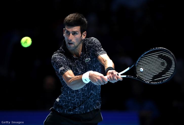 Novak Djokovic a döntőben Alexander Zverev elleni meccsen, Londonban 2018. november 18-án