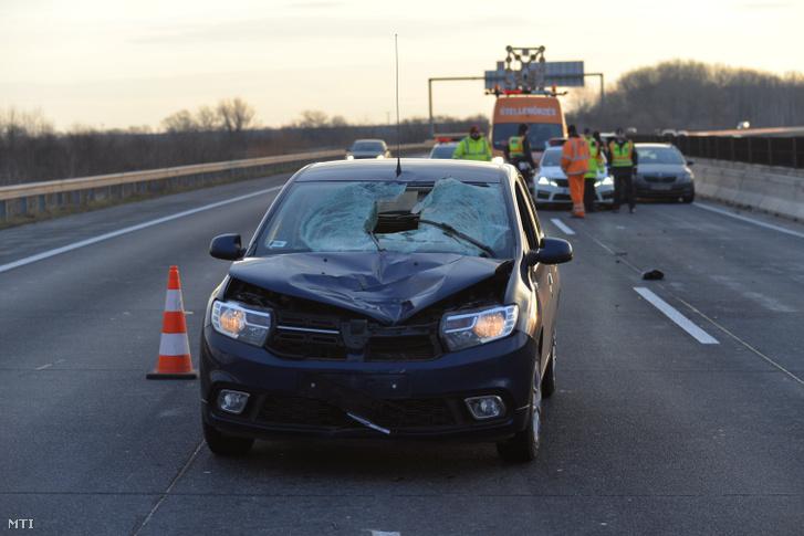 Baleseti helyszínelés 2018. december 26-án az M0-s autóút 27-es kilométerénél, az M5-östől az M6-os autópálya felé vezető szakaszon, ahol szabálytalanul közlekedő gyalogost gázolt egy személyautó. Az elütött férfi a helyszínen életét vesztette, és a jármű vezetője is súlyosan megsérült.