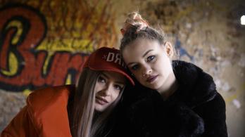 Két fiatal lány, akiknek a Youtube megváltoztatta az életét