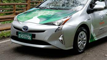 Tényleg jön az etanolos hibrid Prius