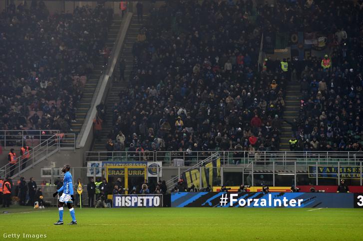 Szurkolók az Internazionale és Napoli meccsen Milanóban 2018. december 26-án