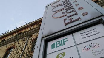 A Schmidt–Ungár család 1,6 milliárd forintot vett ki ingatlanos cégéből
