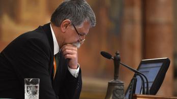 Kövér László a saját nevében tiltja le az ellenzéki képviselők fizetését
