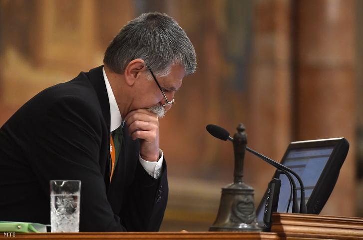 Kövér László házelnök az Országgyűlés plenáris ülésén 2018. október 15-én.