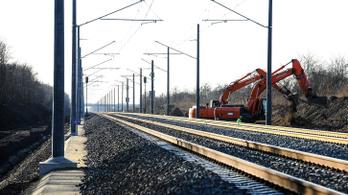 Vasutat kap a BMW gyár, új vasúti híd épül