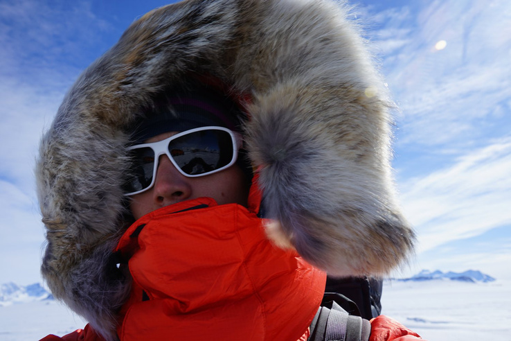 Övé a Three Poles Challenge rekordja is, vagyis ő mászta meg legrövidebb időn belül a Mount Everestet, és hódította meg mindkét sarkot.