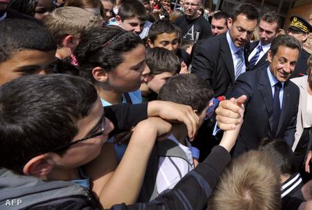 Sarkozy a Charles Fauqueux középiskola diákjai közt