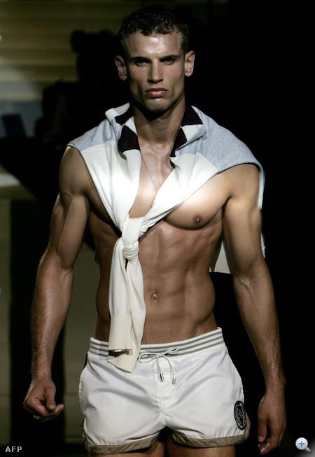 A Dolce & Gabbana modellje 2006-ból