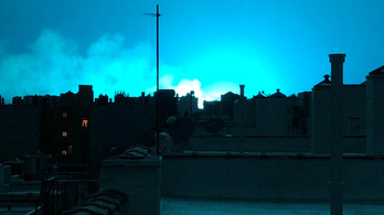 Világoskékre festette New York egét egy robbanás