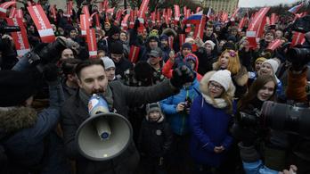 Törvény nyúlhat a tiltakozó fiatalok szülei után Oroszországban