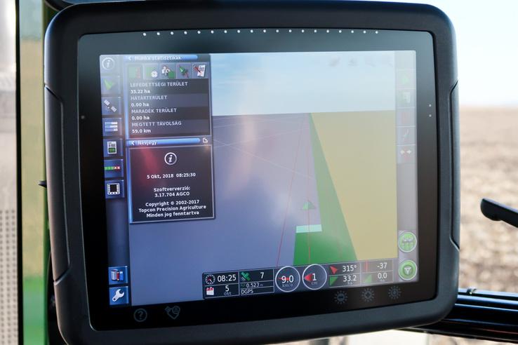 Ez az automatikus kormányzást vezérlő GPS monitora