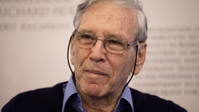 Meghalt Ámosz Oz világhírű izraeli író