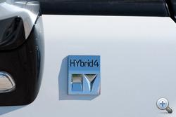 A hibrid négyezer euróval drágább, de lesz egyszerűbb, két-háromezer eurós felárral elérhető prosztó változat