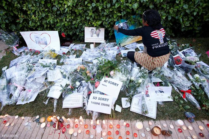 Mécsesek és virágok a marokkói Rabatban - a két meggyilkolt turistára emlékeztek