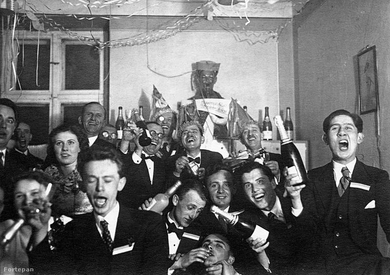 Tudjuk, szilveszter van, de ugye senkit nem kell figyelmeztetnünk a mértékletes italfogyasztás fontosságára? (Fotó: 1940)