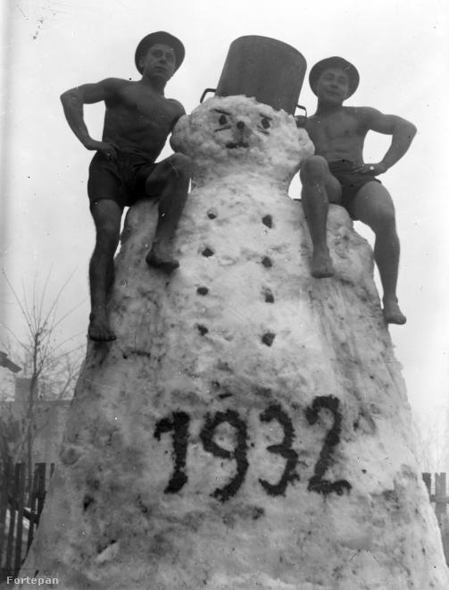 Kemény meló lehetett megépíteni ezt a hóembert