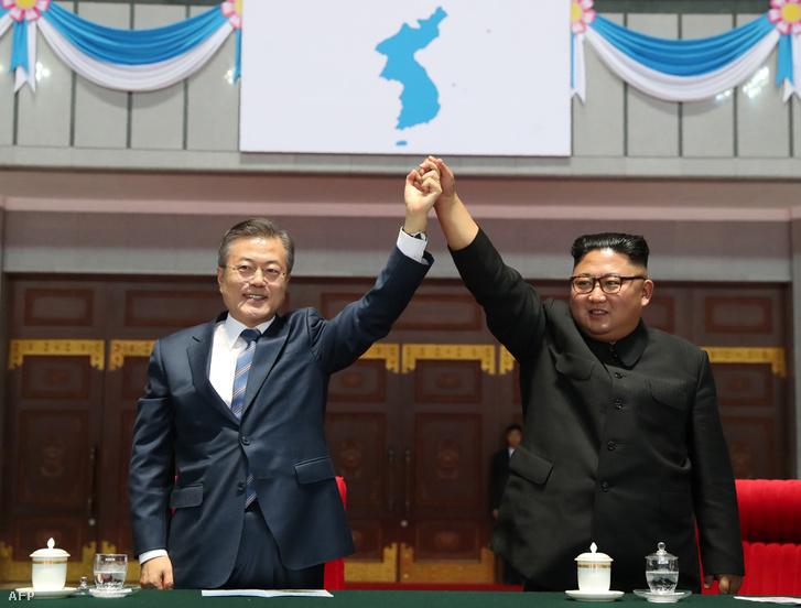 Mun Dzse In és Kim Dzsongun Phenjanban 2018. szeptember 19-én