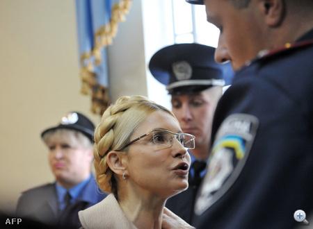 Az USA és az EU szerint koncepciós per áldozata a dúsgazdag politikusnő.