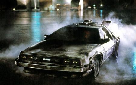 Egy DMC DeLorean a filmtrilógia első részéből