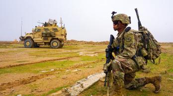 Trump lassítja a csapatkivonást Szíriából