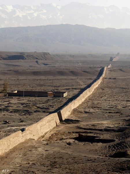 A képen láthatóhoz hasonló szakaszokat nem látogatják turisták, fenntartásuk, állagmegőrzésük nehéz