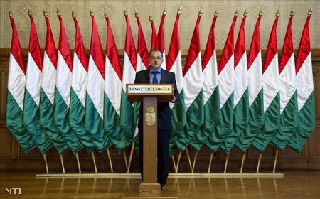 Budai Gyula, elszámoltatásért felelős kormánybiztos sajtótájékoztatón értékelte a kinevezése óta eltelt csaknem egy esztendőt a Parlamentben.