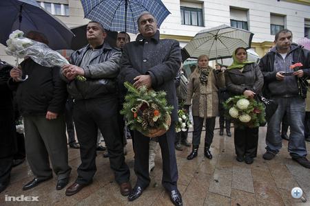 Corvin köz: A Kócos becenevű Szabó Ilonkára, a Corvin köziek egyik parancsnokára emlékeznek, akit 17 évesen a Práter utca végén lőttek agyon 1956. október 28-án.