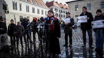 Az év első kormányellenes tiltakozásán több rendőr volt, mint tüntető