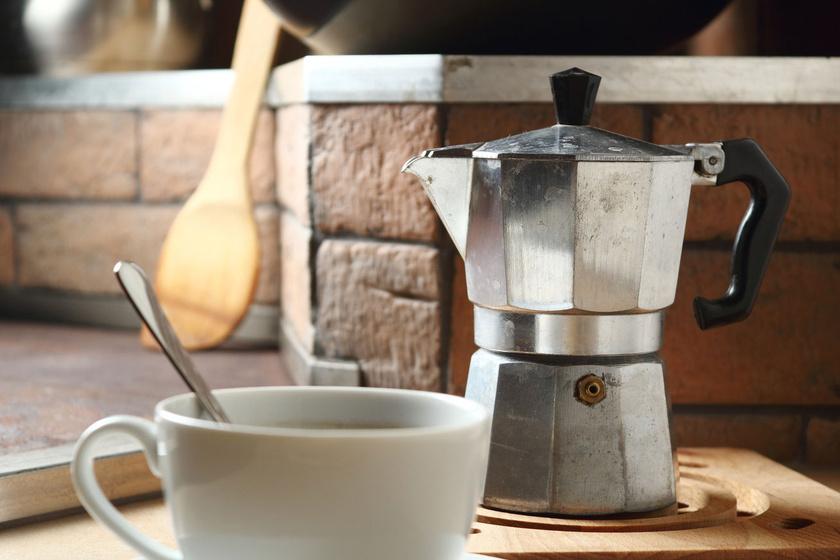 Milyen gyakran tisztítsd a kotyogós kávéfőzőt? Ha ezt csinálja, már kellett volna