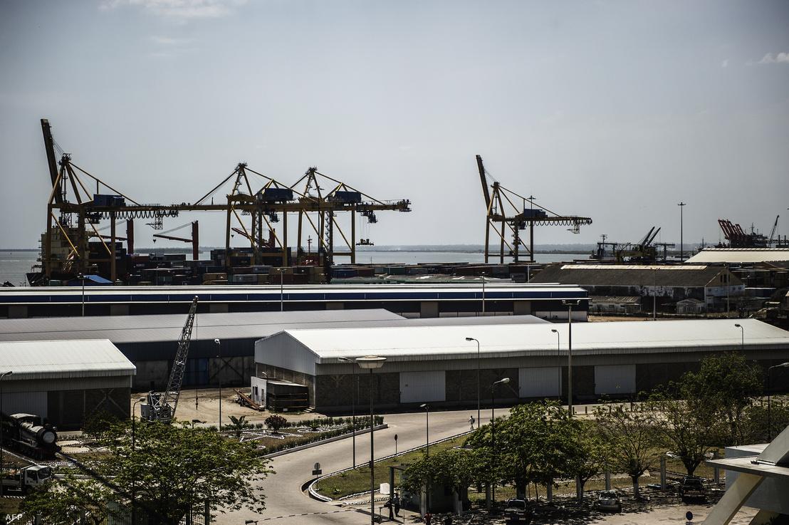 Ipari kikötő a Mozambik partjainál fekvő Beira városában