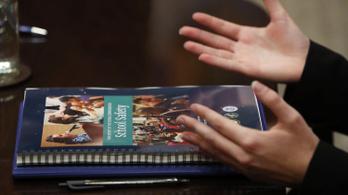 A tanárok felfegyverzését javasolja a parklandi lövöldözés után készült jelentés
