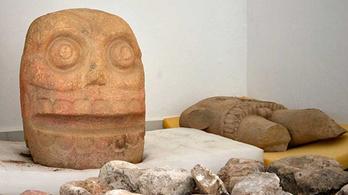 Megnyúzott emberek bőrét viselő papok templomát találták meg