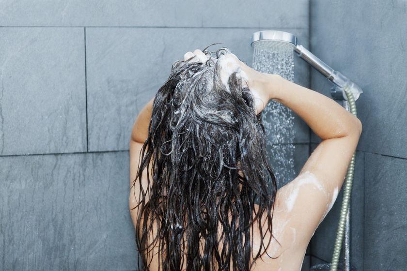 Ez történik a hajaddal, ha nem mosod - Szakértők mondták el a meglepő változásokat
