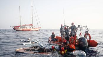 2262 menekült fulladt a Földközi-tengerbe tavaly