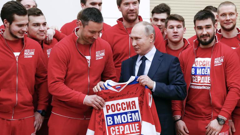 A doppingellenőrök vergődnek, Putyin röhög a markába