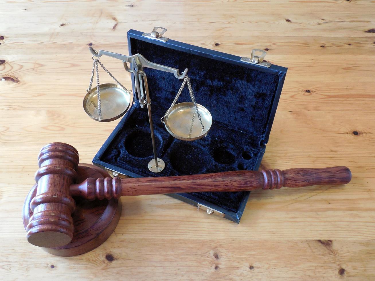 bíróság szabály törvény kalapács per (1)