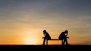 A hűtlenség azért fáj, mert szétzúzza a szerelemről szóló becsvágyat