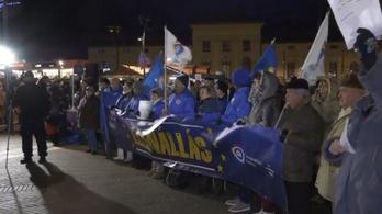 Kétezren tüntettek Szegeden a kormány ellen