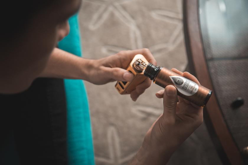 vaping ecigi elektromos cigaretta (1)