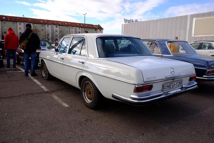 Csak öreg autónak látszik