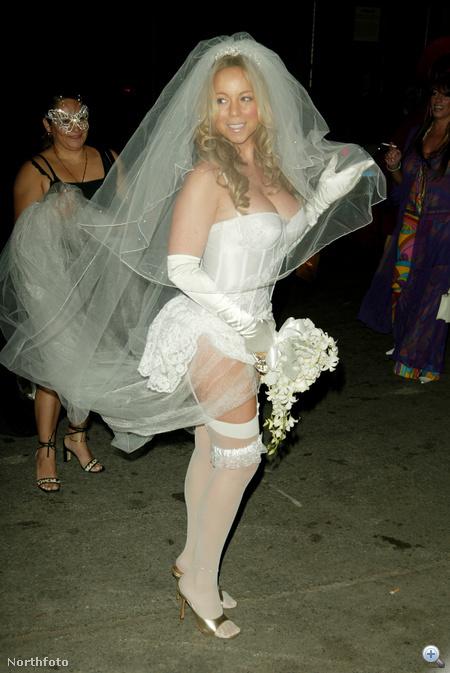 2004. Halloween - Mariah Carey kurvás menyasszonként