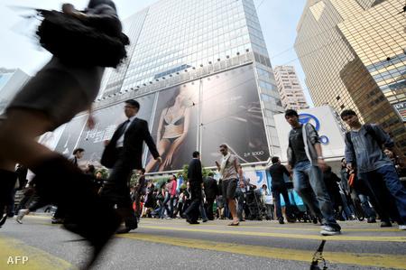 Embertömeg Hong Kongban