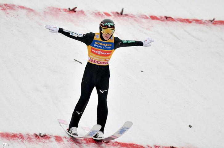 Rjoju Kobajasi leérkezése Innsbruckban